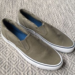 New in box. Sperry top sider.